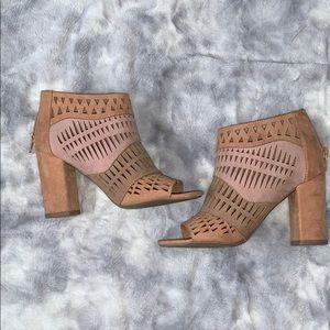 Light pink/nude heels